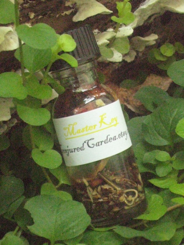 Master Key Oil with Master Root-For Mastery of Life and  Spirituality-Conjure, Communication, Psychic Ability, Success